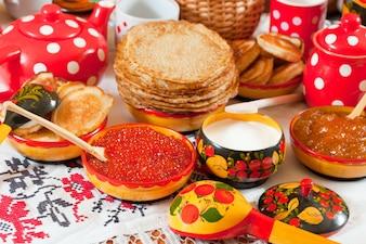 Elementos coloridos de fiesta de carnaval descargar vectores gratis - Cuisine traditionnelle russe ...