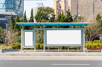Pantalla de visualización en blanco del bus de medios