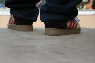 partes de acción urbana, zapatillas de deporte