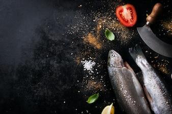 Pescado con tomates y especias