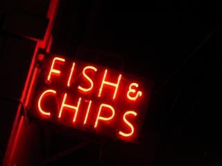 pescado y patatas fritas de pescado