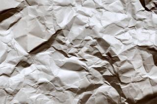 Página de papel arrugado