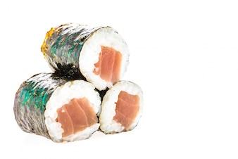 Piezas de sushi amontonadas