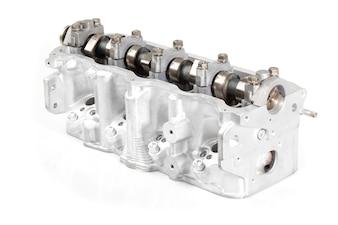 Piezas de un motor blancas