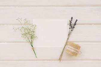 Plantilla, ramos de flores y cordel