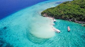 Playa de arena cebu agua turquesa