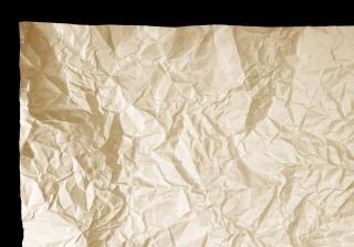 Pliegue de papel arrugado