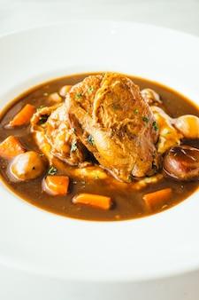 Pollo asado con salsa de vino tinto