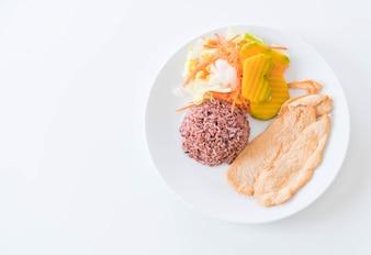 Pollo picante con arroz de baya