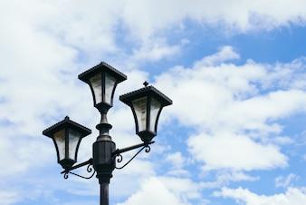Poste de luz dirigido objeto de seguridad