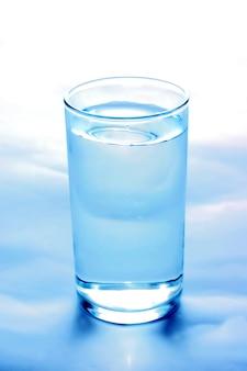 Primer plano de vaso de agua