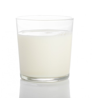 Primer plano de vaso de leche