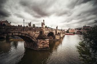 Puente de Carlos en Praga.