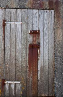 Puerta oxidada descargar fotos gratis for Puerta vieja madera