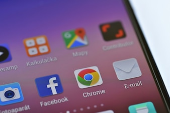 """Iconos en la pantalla del teléfono inteligente"""