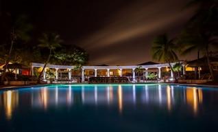 Reflexiones en la piscina