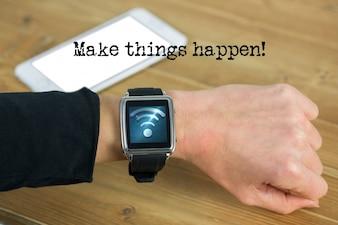 Reloj inteligente con el símbolo wifi