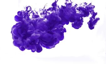 Resumen formado por el color de disolución en el agua