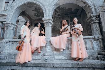 Retrato bonita orquesta talento clásico