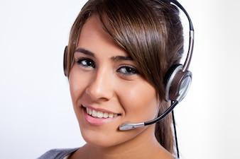 Retrato de una mujer operador de centro de llamadas