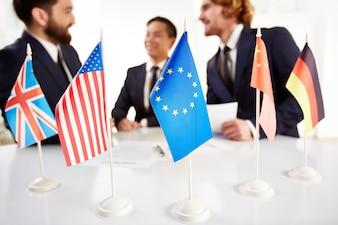 Reunión de ejecutivos de diferentes países