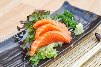 Salmón sashimi