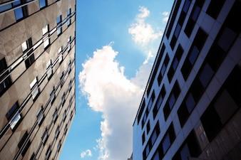 Cielo entre los edificios