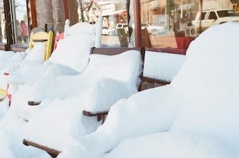 Sillas al aire libre de nieve