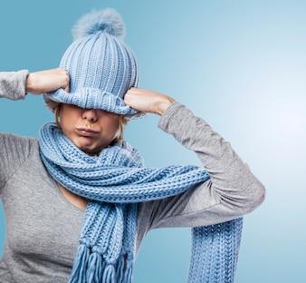 Sombrero de piel de invierno pared enojado