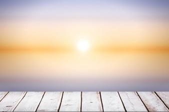 Suelo de madera en un día soleado