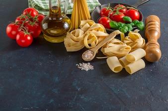 Superficie con productos preparados para cocinar