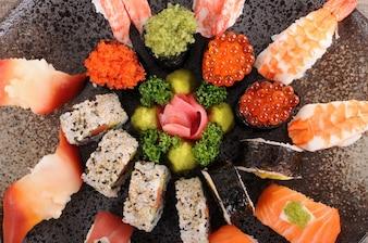 Surtido de plato de sushi