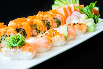 Sushi de salmón