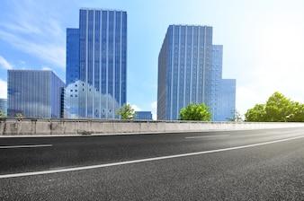 Suspensión negocio rápido perspectiva de la carretera