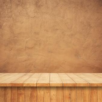 Tablas de madera con un fondo de conglomerado