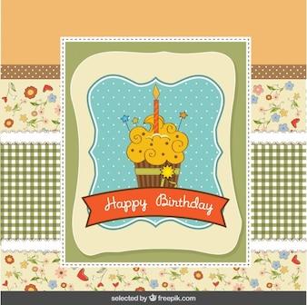 Tarjeta de cumpleaños en estilo de libro de recuerdos con la magdalena