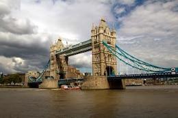 torre del puente clásico