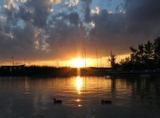 Una puesta de sol feliz