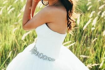 Verano felicidad alegre joven novia