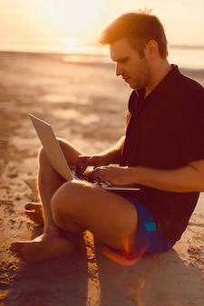 Verano playa de cuerpo uno de fondo