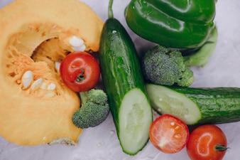 Verduras en la mesa