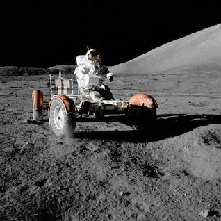 viajes luna vehículo astronauta espacio