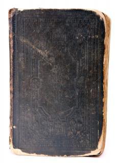 viejo libro pasado de moda