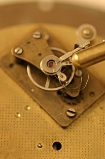 Viejo reloj de tiro marcro, detalles
