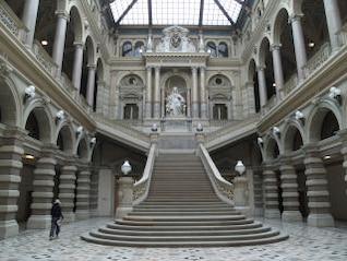 VIENA - palacio de justicia