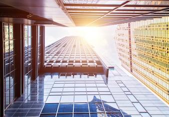 Vista de rascacielos modernos