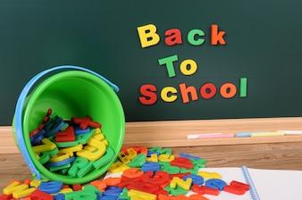 Volver a la escuela con las letras del alfabeto