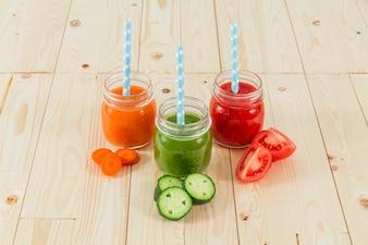 Zumos coloridos de verduras