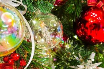 Albero di Natale con la decorazione