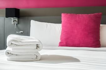 Asciugamano sul letto